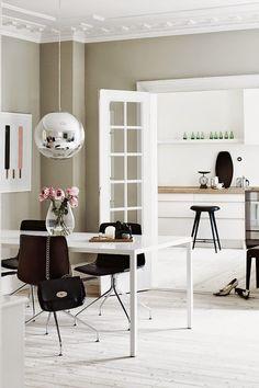 Wall Colour in a Cozy Danish apartment Danish Apartment, Family Apartment, Apartment Kitchen, Interior Door, Home Interior, Interior Decorating, Decorating Ideas, Apartment Interior, Interior Design Inspiration