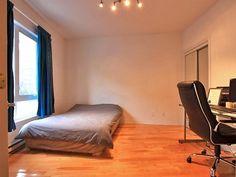 Second bedroom (8/9)