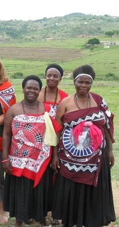 Swaziland African Life, African History, African Women, African Traditional Dresses, Traditional Outfits, Gs World, Royal Lineage, World Thinking Day, East Africa