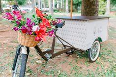 Destination wedding: bicicleta vintage - Foto Juliana Kneipp Fotografia e Maria Toscano
