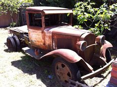 Old Ford Pickup truck in the backyard by naotoj, via Flickr