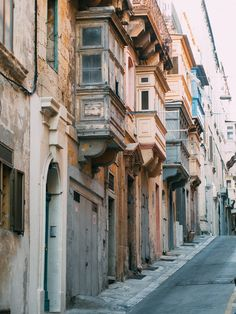 Malta was unlike anywhere I have ever visited before. I didn't really know what to expect but it was a place that caught me off-guard. I had heard a lot...