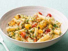 Depois daquela festa, o macarrão ponza é uma dica infalível para dividir com os amigos. Chef: Giada De Laurentiis