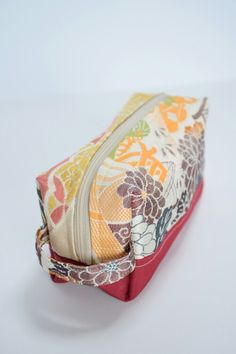 UME is making a new mini porch now! it's made from great condition antique kimono silk. 100% Handmade in Japan. Check 'umetokyo' on Etsy or facebook  #hollywoodstyle #celebrity #japanese luxury #luxury #handbag #pouch #makeup #silk #upcycled #UME #handmade #celebritystyle #vintagestyle #fashionista #japan#kimono#cute#handbag#lady#party