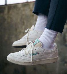 334d28a5924ec Idée et modele Sneakers pour femme tendance 2017 Image Description reebok  club c85 classics basket blanche