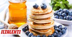 Haluatko välillä syödä aamupalaksi täyttävää, hyvää ja helppoa ruokaa, jossa ei ole hiilihydraatteja? Food Policy, Tasty, Yummy Food, Food Inspiration, Keto Recipes, Nom Nom, Breakfast Recipes, Pancakes, Food And Drink