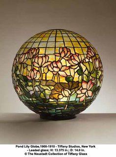 Pond Lily Globe Tiffany Glass Lamp~Beautiflul  -  1910 - 1910