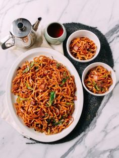 Bacon & Scallion Egg Noodle Stir-fry is the latest chapter in a long history of out-of-control bacon usage. Bacon is just what an egg noodle stir-fry needs! Noodle Recipes, Soup Recipes, Cookbook Recipes, Recipies, Egg Noodle Stir Fry, Noodle Soup, Asian Recipes, Ethnic Recipes, Asian Foods
