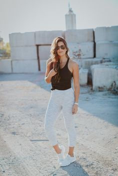 These Nike Air Presto Sneakers are the newest addition to my Nike collection, and I couldn't be happier. Cute Workout Outfits, Workout Attire, Workout Wear, Workout Style, Nike Shoes Outfits, Sporty Outfits, Gym Outfits, Athleisure Outfits, Weekly Workout Routines