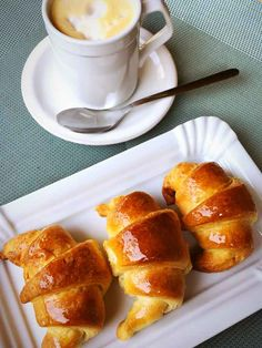 Healthy Potato Recipes, Bread Recipes, Butter Croissant, Mango Cheesecake, Pan Dulce, Food Humor, Croissants, Dessert Recipes, Desserts