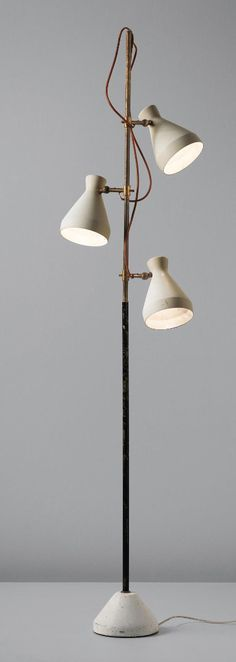 is much more than a decorative lamp! If you love mid-century modern lighting design, you need to see this modern floor lamp. Gino Sarfatti, Lamp Design, Lamp, Interior Lighting, Contemporary Floor Lamps, Contemporary Lighting, Decorative Floor Lamps, Vintage Floor Lamp, Vintage Lamps