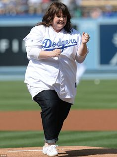 melissa mccarthy dodger game | ... can't do? Melissa McCarthy throws near perfect pitch at Dodger stadium