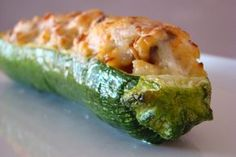 CALABACIN RELLENO DE GAMBAS Y BOLETUS EDULIS Finger Food Appetizers, Finger Foods, Nut Recipes, Hors D'oeuvres, Tapas, Zucchini, Sushi, Seafood, Fruit