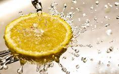 10 Benefits to Drinking Lemon Water