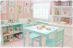 Les Sucréries - Patisserie Doll Diorama - OOAK  Blythe/Pullip/Pukifee/Lati/Yosd/BJD/Dal door MoonchildSilverdream op Etsy https://www.etsy.com/nl/listing/210128043/les-sucreries-patisserie-doll-diorama