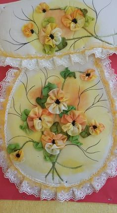 Fun Crafts, Diy And Crafts, Ribbon Embroidery, My Flower, Animals And Pets, Pillow Covers, Flora, Projects To Try, Tableware