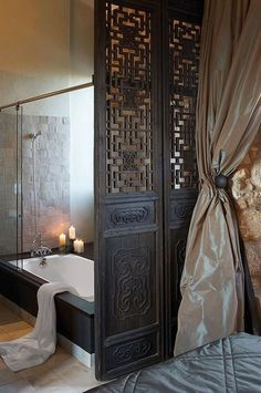 PARTITION Inspiration, Home Interior - shown, an Asian door panel invites warmth, privacy, and intimate division of space within the bathroom Asian Interior, Interior And Exterior, Interior Design, Japanese Interior, Asian Doors, Decoration Inspiration, Panel Doors, Beautiful Bathrooms, Spas