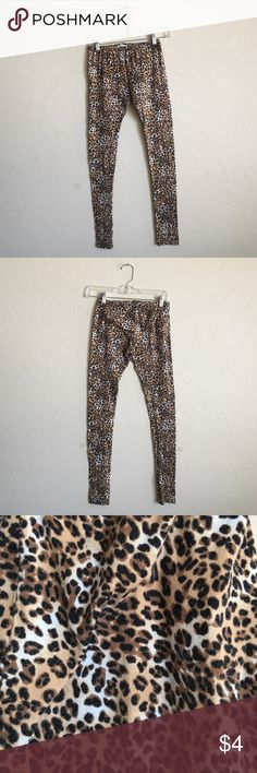 Cute leopard print leggings Size medium, stretchy and easy to wear Charlotte Russe Pants Leggings