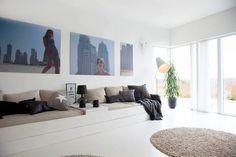 Hjemmesnekret sofa som kan fungere som gjesteseng