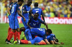 France celebrate Payet's stunning 20-yard goal #EURO2016