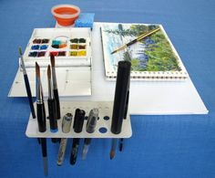 Everyday Artist: The Perfect Plein Air Sketching Setup Using a drill bit template and a coroplast board.