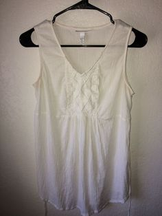 4648e7f5af8b42 Up for auction is a Liz Lange Maternity White Tank Top Tunic Size XS.