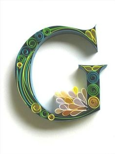 Paper quilling letters is one of the best way to use quilling ideas to make beautiful letters and patterns.Sabeena Karnik paper quilling is popular. Arte Quilling, Quilling Letters, Quilling Designs, Paper Quilling, Paper Letters, Quiling Paper, Typography Served, Typography Art, Quilled Creations