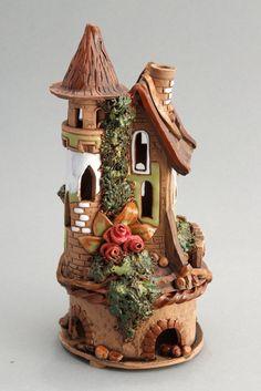 Fairy Tree Houses, Clay Fairy House, Fairy Garden Houses, Clay Houses, Ceramic Houses, Miniature Houses, Fairy Crafts, Diy And Crafts, Magic House