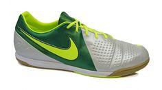 Fútbol indoor Nike CTR360  Fabricadas enteramente en cuero con interior acolchado.  Media suela de caucho amortiguante.  Suela con grabado en espiga de muy buen agarre.