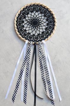 Crochet Dream Catcher | The Loopy Stitch Crochet Dreamcatcher Pattern Free, Crochet Mandala Pattern, Doily Patterns, Crochet Doilies, Crochet Patterns, Crochet Ideas, Free Crochet, Crochet Lace, Double Crochet