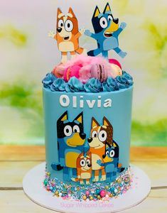 Bluey Cake in buttercream with fairy floss, sprinkles & Macarons by Sugar Whipped Cakes 2nd Birthday Party Themes, 4th Birthday Cakes, Girl 2nd Birthday, Birthday Ideas, Bingo Cake, Dibujos Baby Shower, Abc Party, Toilet Cake, Girl Cakes
