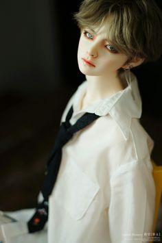 [BTS LOVE YOURSELF - 'HER' DNA CONCEPT] V doll
