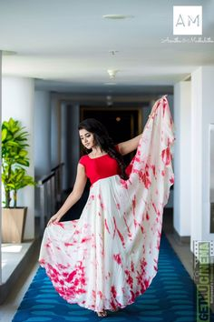 Actress Anupama Parameswaran photo shoot stills in Asmitha and Madhulatha design. Anupama Parameswaran photo shoot stills. Indian Gowns Dresses, Indian Fashion Dresses, Indian Designer Outfits, Designer Dresses, Fashion Clothes, Long Dress Design, Dress Neck Designs, Stylish Dress Designs, Blouse Designs