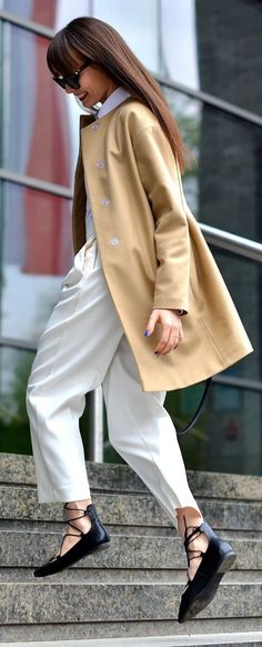 Camel And White Chic Style Here the black sow is playful, cute, not severe like the black Oxford.