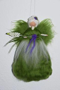 MUSCARI - FEE TRAUBENHYAZINTHE  ELFE  ENGEL   Jahreszeitentisch Märchenwolle