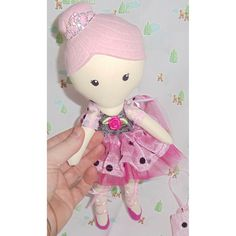 """Itty Bitty AnnabelleShe will be made within 7 days of purchase and shipped out x10.5"""" IttyBitty doll made from 100% cotton and wool felt xShe comes with removable skirt, handbag and teddy (may vary in colour from shown)We are always happy to custom make a doll - please just ask xxPictures are dolls from other custom order sShe is not recommend for children under 3 x100% AllyBeeDesigns pattern and design*** As she is being made to order - please let me know if you'd like a different fabric…"""
