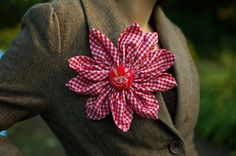 Red plaid flower pin