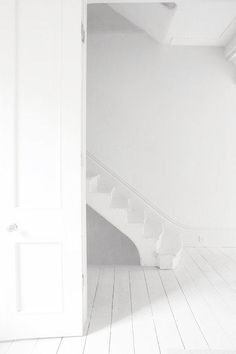 my scandinavian home: Snow white My Scandinavian Home, White Light, Snow White, Pure White, Blanco White, White Rooms, White Space, Shades Of White, White Aesthetic