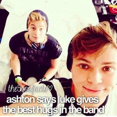 Luke Hemmings and Ashton Irwin the only normal boys in 5 Seconds of Summer. Like if this is true! Calum Hood, Calum Thomas Hood, Luke And Ashton, Ashton Irwin, 5 Seconds Of Summer, 5sos Facts, 5sos Pictures, Luke Roberts, Best Hug