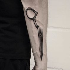 Mark says life can be like a one armed scissor. Thanks as always mate. #tattoo