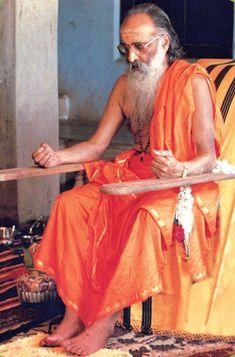 """Upanishads : """"The cream of Vedas"""": MUNDAKOPANISHAD : CHAPTER-3. SECTION-2. MANTRAM-1...."""