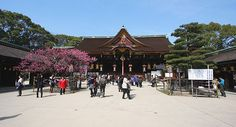 Kitano Tenmangu Shrine (Kyoto) | Flea Market on the 25th of every month from 6:00 to 21:00