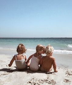 This is an account completely dedicated to children and supporting all types of families. Cute Kids, Cute Babies, Baby Kids, Beach Babies, Cute Family, Family Goals, Little People, Little Ones, Future Mom