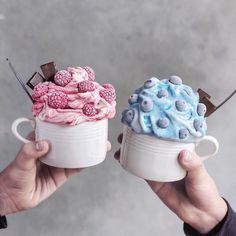 Image about pink in Dessert, Sweet Things & Fruit 🍩🍦 by Trang Lê Milk Shakes, Cute Desserts, Delicious Desserts, Yummy Food, Yummy Yummy, Kreative Desserts, Tumblr Food, Oreo Dessert, Dessert Food