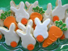 Backwards Bunnies Glazed sugar cookies by Robin Traversy {The Cookie Faerie}