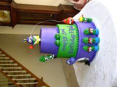 larryboy cake!!!