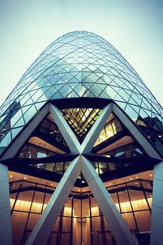 30 St Mary Axe better known as The Gherkin, London, UK London Architecture, Architecture Student, Amazing Architecture, Architecture Details, Interior Architecture, Classical Architecture, Norman Foster, Unusual Buildings, Beautiful Buildings