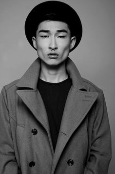 Men with sexy jawlines Asian guys Artists And Models, Male Models, Asian Men Tumblr, Slytherin, Kim Sang Woo, Tarin, Teen Guy, Korean Model, Male Beauty