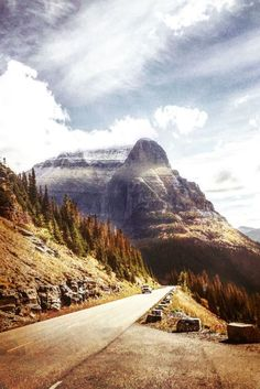 Epic views, easy and hard hikes, lakes and lodges...Glacier National Park, in Montana USA is a perfect destination.