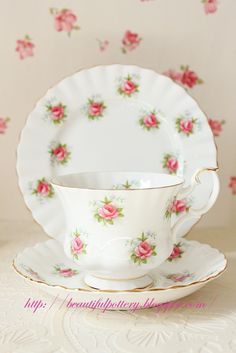 by Royal Albert  discontinued design!   Made in England  Code : VCRA 089  ~Trio~